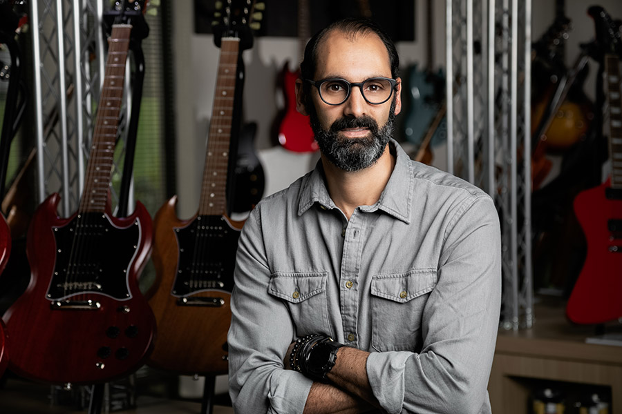 Gibson Hires Jean Genie To Lead New Management Team